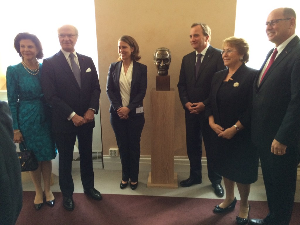 Their Majesties, King and Queen of Sweden, Ms. Caroline Edelstam, granddaughter of Harald Edelstam and President of the Edelstam Foundation, the Prime Minister of Sweden, Mr. Stefan Löfven, President of Chile, Ms. Michelle Bachelet, and Speaker of the Parliament, Mr. Urban Ahlin.