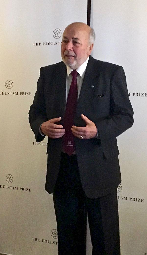 Juan Guzmán Tapia of Santiago