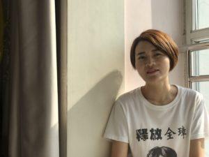 La esposa perseguida de un abogado chino de los derechos humanos detenido, recibe El Premio Edelstam